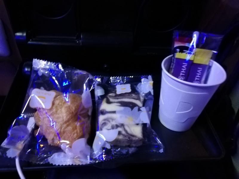 VIPバスの軽食