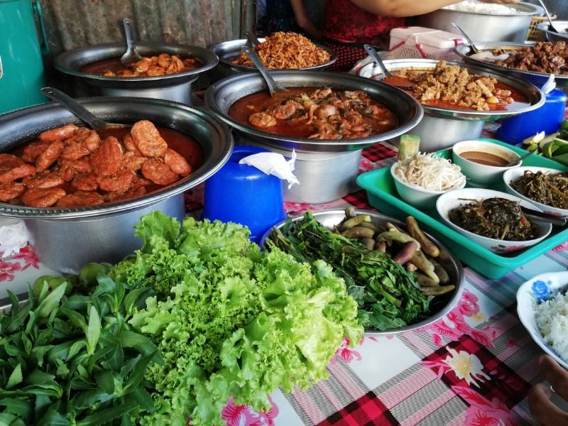 ミャンマー屋台飯
