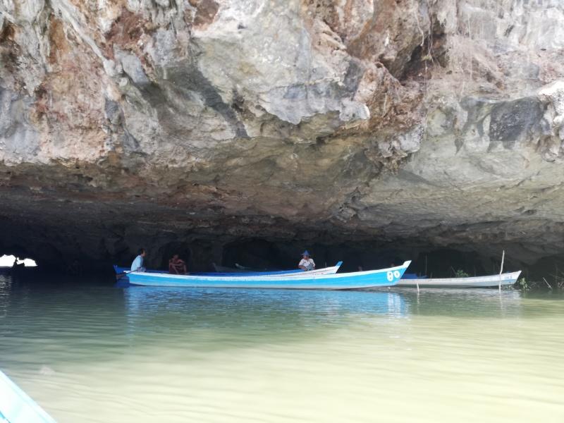 サダン洞窟ボート