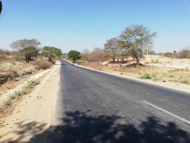 バガンの道路