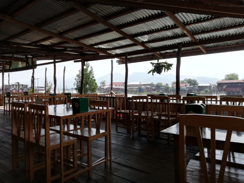 インレー湖レストラン