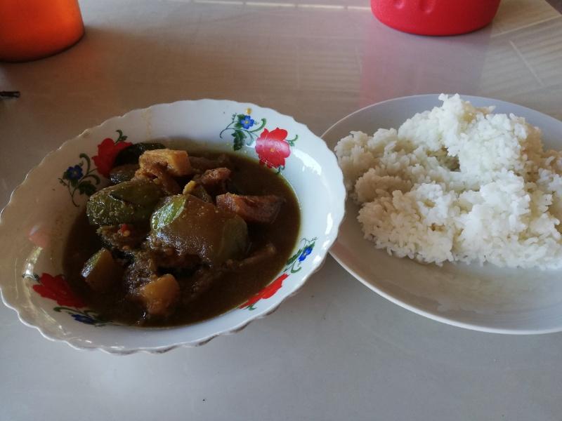 カンボジア魚カレー