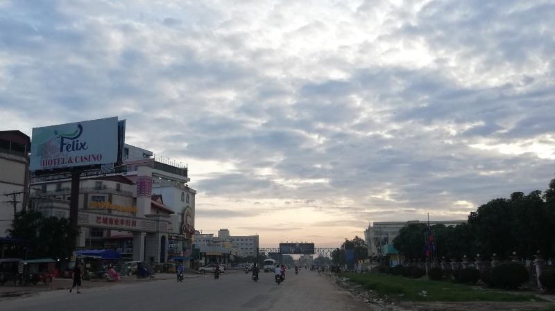 カンボジアの国境バベット