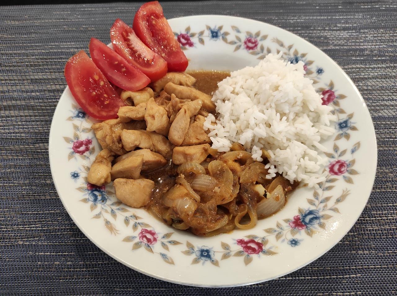 鶏肉サバ缶炒め